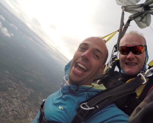 offrir saut parachute