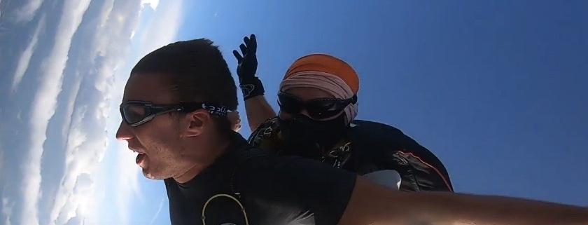 Saut en parachute covid